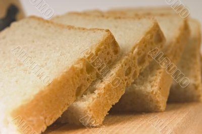 goldish bread