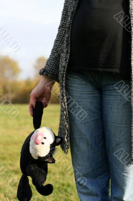pregnant woman with cat Felix in her hand