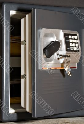 Open safe with keys