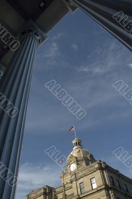 Government Building through Pillars