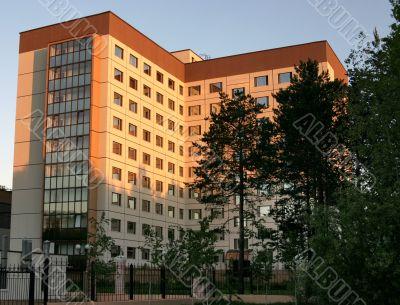 multistoried dwelling building