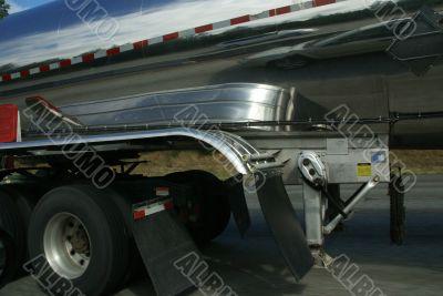 Traffic reflected on tanker truck