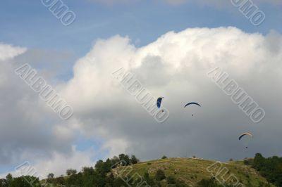 Three para-gliders