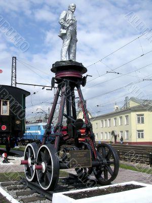 Lenin on the cart
