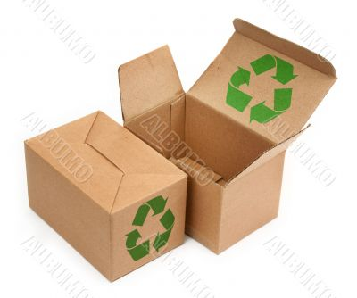 cardboard boxes with recycle symbol
