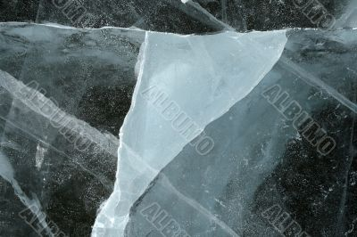 Triangular shape of a cracked ice
