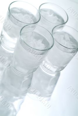 4 Glasses of Ice Water