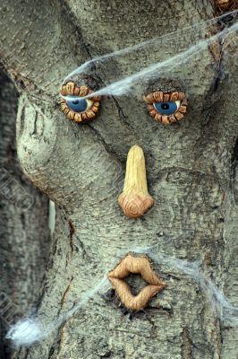 Halloween decorated tree