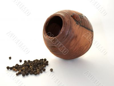 ceramic pot with pepper