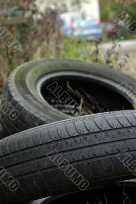 Black tyres pollution