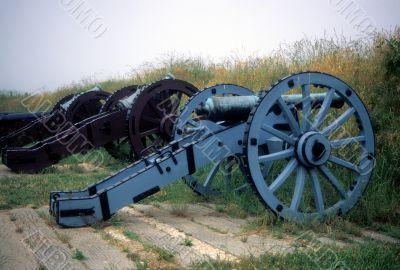 Cannon, American siege line