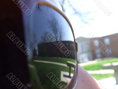 Sun glasses reflection