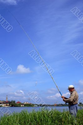 Fisher with long rod