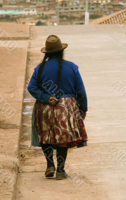 Women in peru with hat