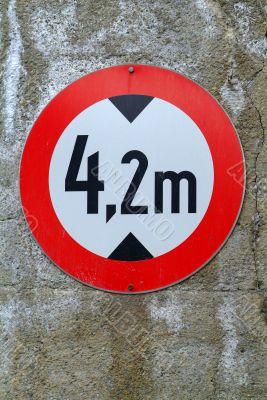 traffic sign altitude limitation