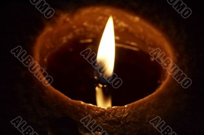 Lighting aromatic candle