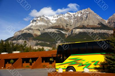 Birght yellow tour bus