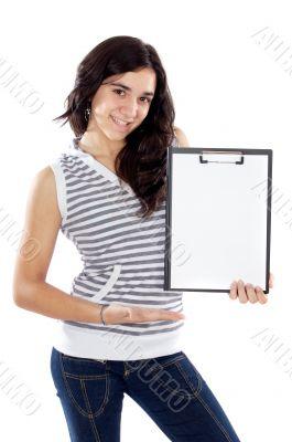 teen whit clipboard