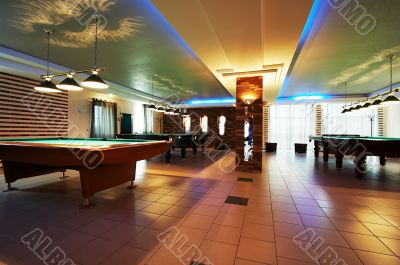Room for game in billiards