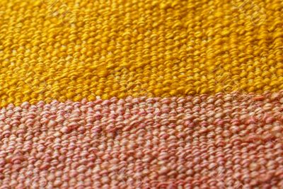 Detail, tightly woven knots