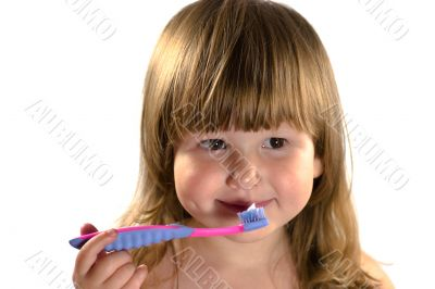 Kid going to clean teeth