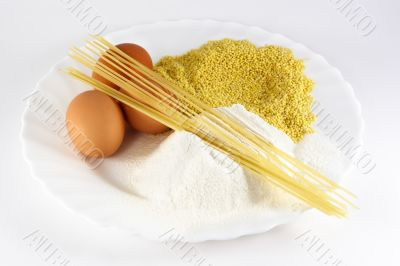 Egg,spaghetti and flour