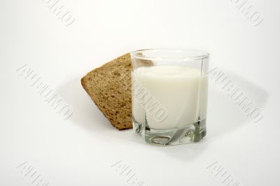 Milk and rye-bread