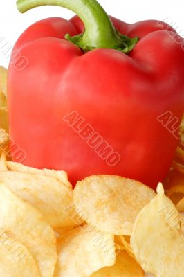 Red paprika with potato chips