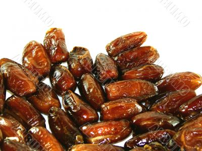Sweet-tasting dried dates