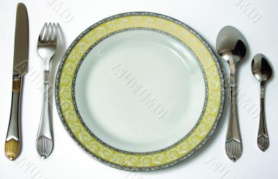 Plate and spoone set