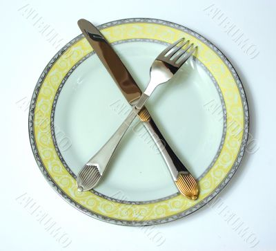 Plate and knife