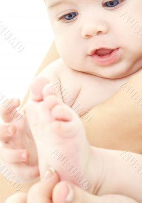 baby in mother hands