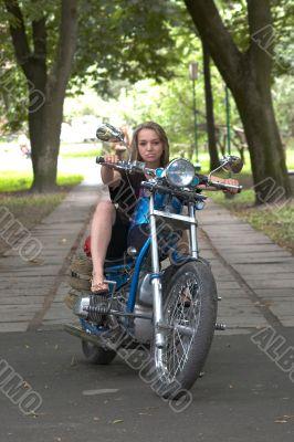 woman go on a bike