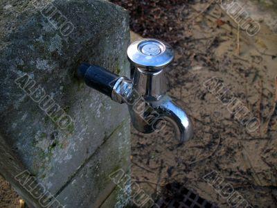 Outside water tap