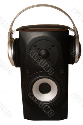 Acoustic system whith headphones