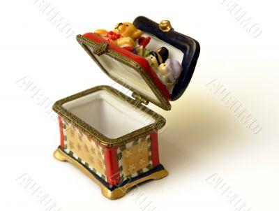 Ceramic chest