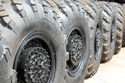 Automobile wheels