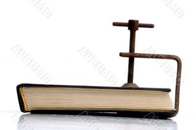 book in vises