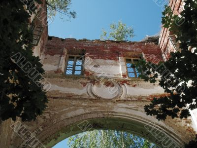 ruin windows, sky and stork