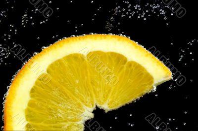 Slice lemon in water