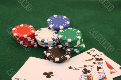 Royal Flush - Clubs with chips