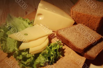 Cheese and rye-bread