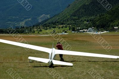 Glider on the ground