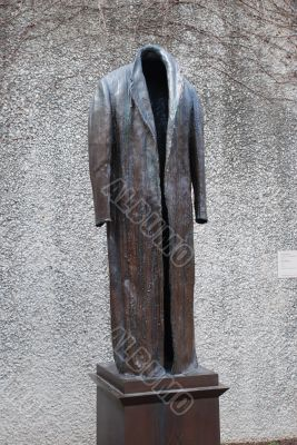 Monument to usual things. A coat