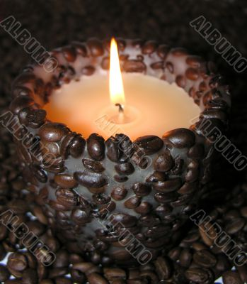 waxy candle with coffee aroma