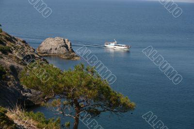 sailboat sails seaborne