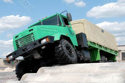 The military lorry.