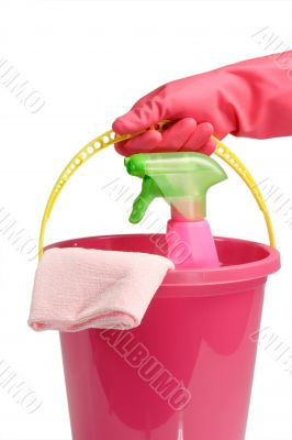 Bucket with spray cleaner