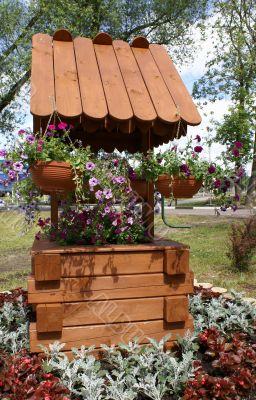 Bedflower in shape of well