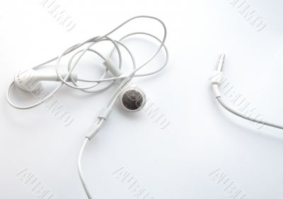 Earphones with knot on the wires